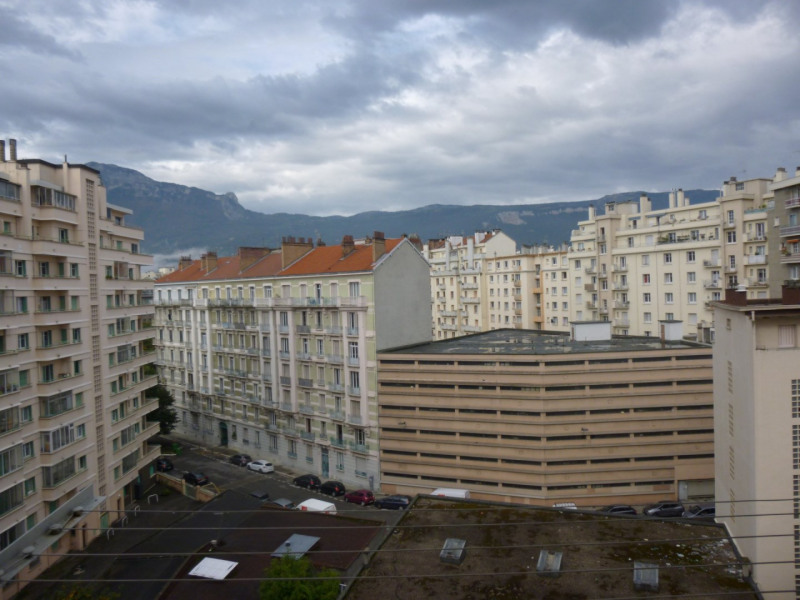 Rental parking spaces Grenoble 90€ CC - Picture 1