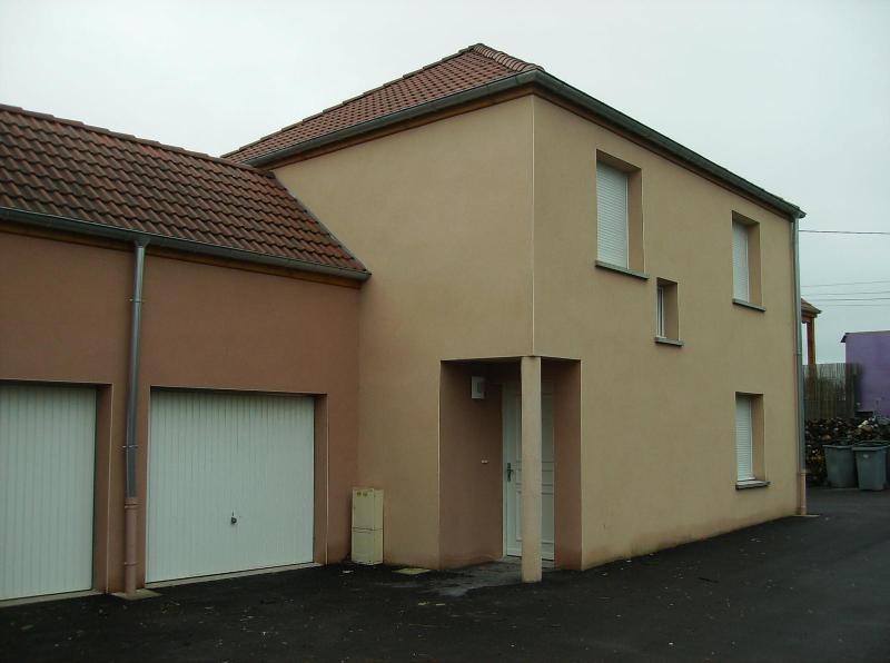 Location maison / villa St julien 896€ CC - Photo 1