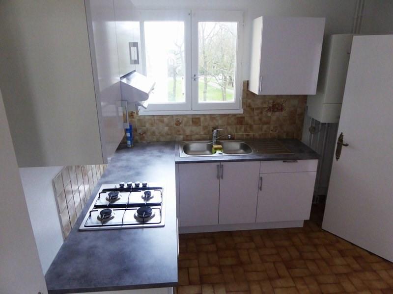 Sale apartment Maurepas 240000€ - Picture 3