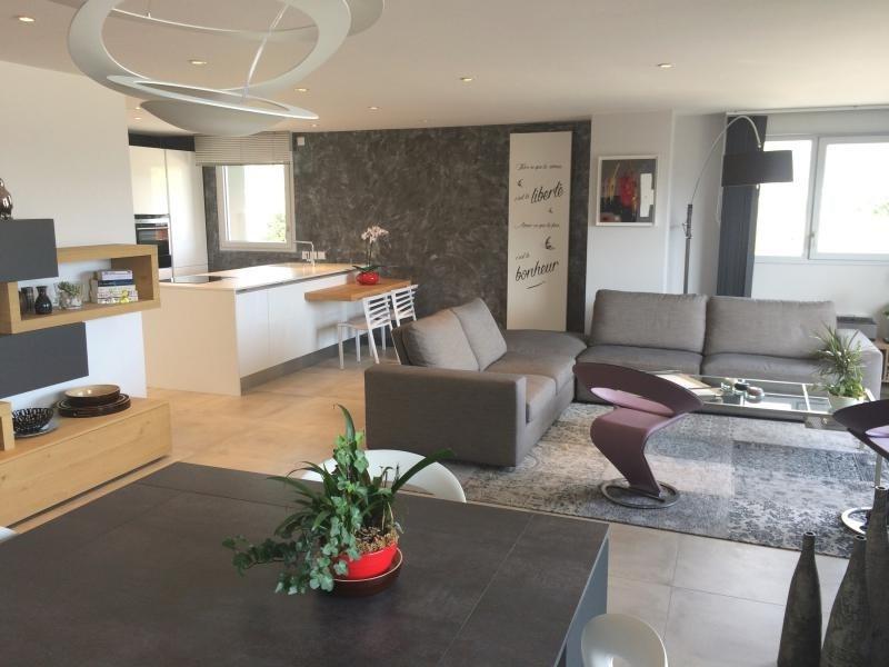 vente de prestige appartement 4 pi ce s chambery 105 m avec 3 chambres 599 000 euros. Black Bedroom Furniture Sets. Home Design Ideas