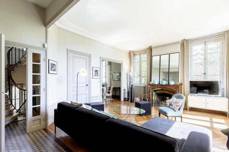 EXCLUSIVE RIGHTS - CALUIRE LE BOURG - HOUSE OF 2,152 SQ.FT - 5 BEDROOMS