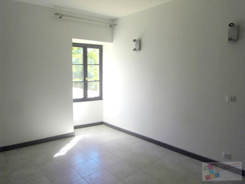 Location maison / villa Champmillon 650€ CC - Photo 5