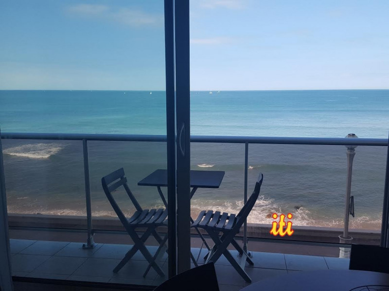 Sale apartment Les sables d olonne 240 000€ - Picture 1