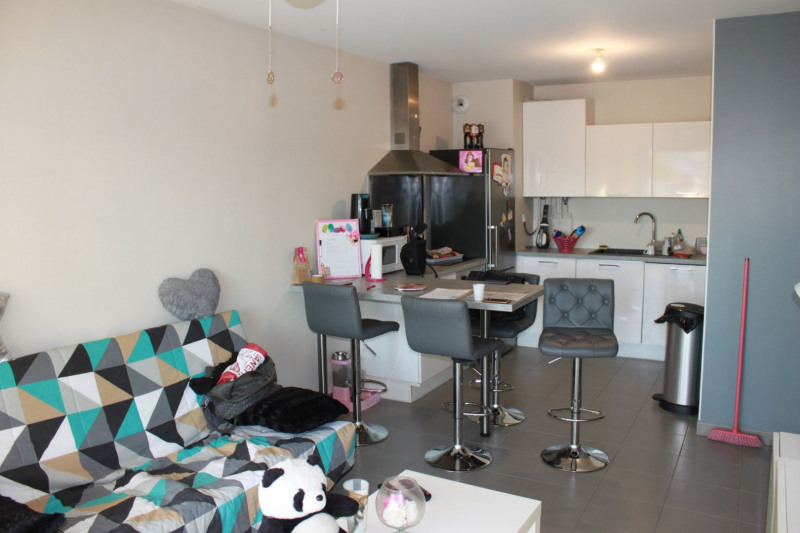 Sale apartment Saint-romain-en-gal 147000€ - Picture 3