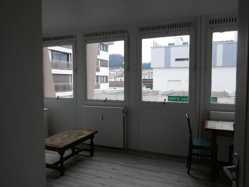 Rental apartment Oyonnax 345€ CC - Picture 3