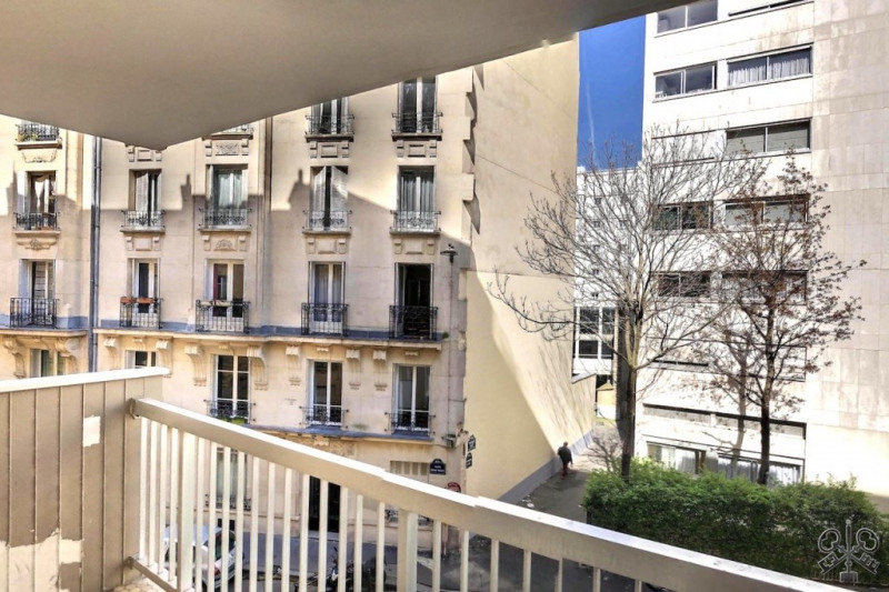 Sale apartment Paris 15ème 950 000€ - Picture 2