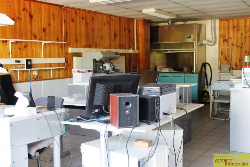 Location local commercial Garidech 568€ CC - Photo 2
