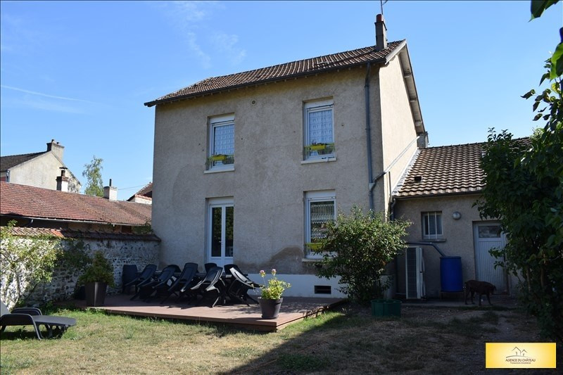 Sale house / villa Moisson 228000€ - Picture 1