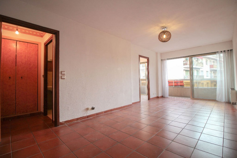 Sale apartment Nice 145 000€ - Picture 1