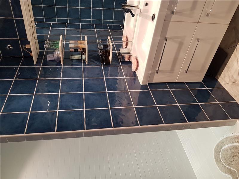 Sale apartment Aubagne 227900€ - Picture 7