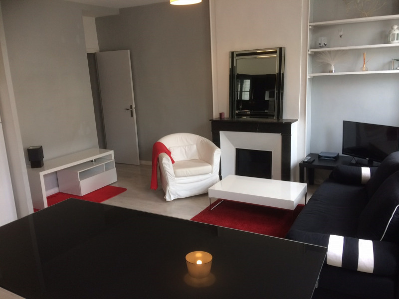 Location appartement Fontainebleau 1 190€ CC - Photo 3