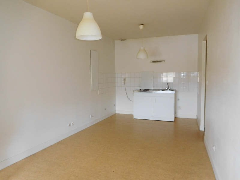Rental apartment St andre de cubzac 475€ CC - Picture 2