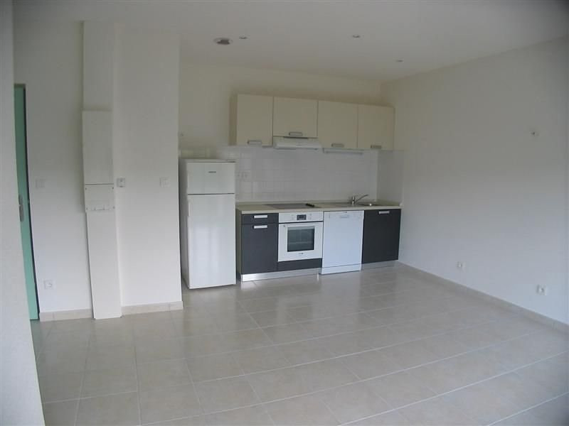 Rental apartment Le chambon sur lignon 420€ CC - Picture 2