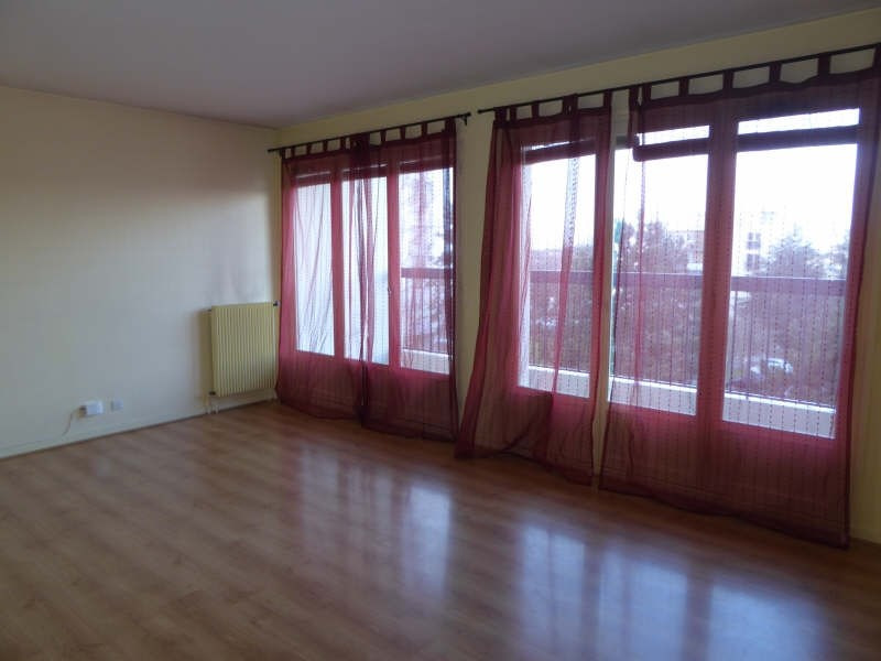 Rental apartment Elancourt 1 150€ CC - Picture 1