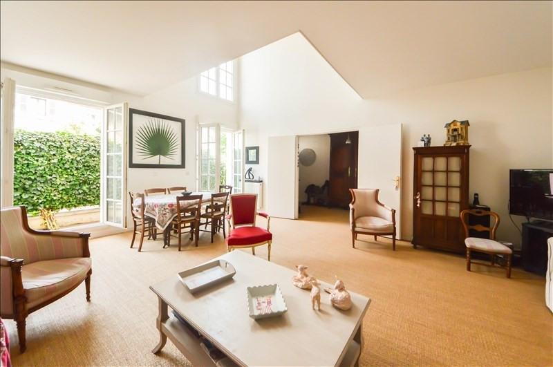 Deluxe sale apartment Suresnes 1090000€ - Picture 2