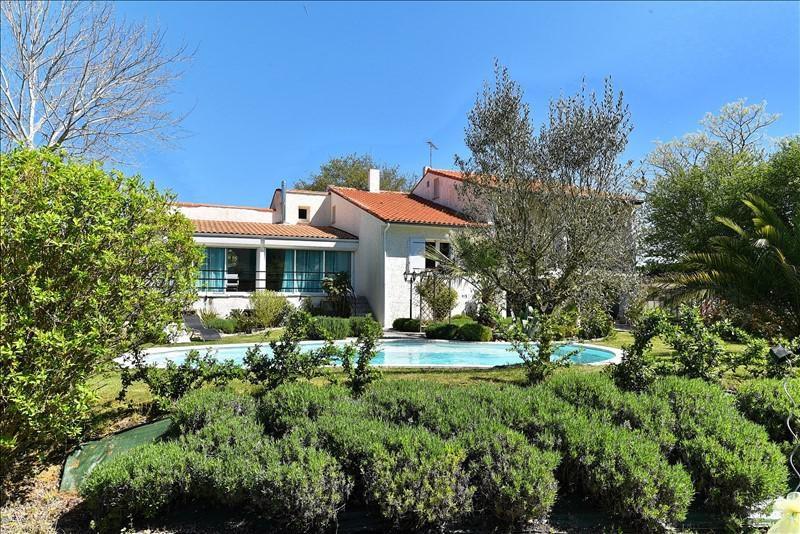 Deluxe sale house / villa Breuillet 632000€ - Picture 1