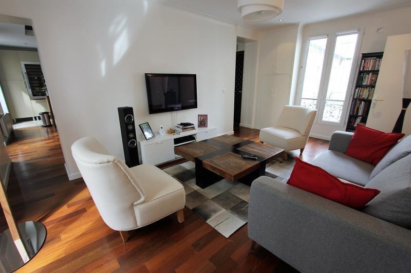 Deluxe sale apartment Paris 11ème 1049000€ - Picture 3