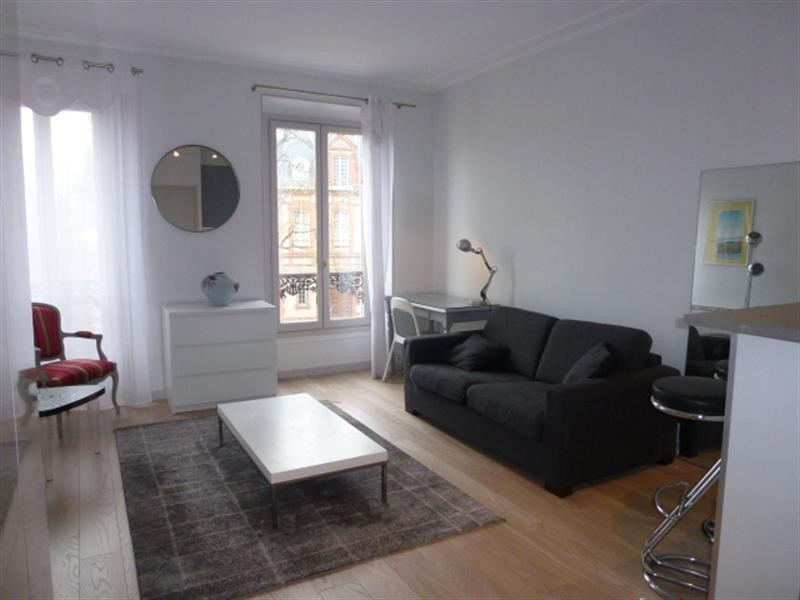 Rental apartment Fontainebleau 836€ CC - Picture 1