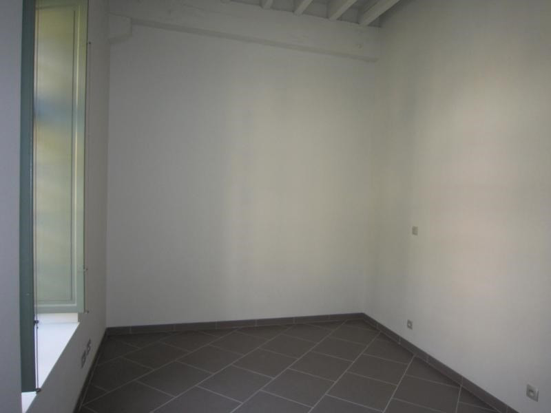 Rental apartment St cyprien 524€ CC - Picture 2