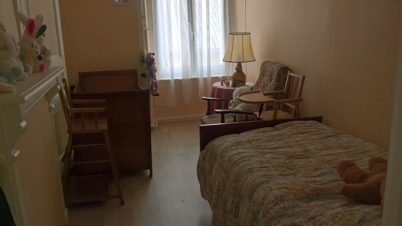 Vente maison / villa St junien 100000€ - Photo 4