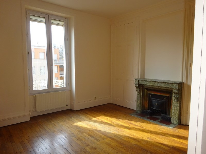 Rental apartment Oullins 720€ CC - Picture 2