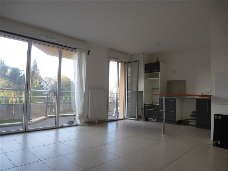 Rental apartment Rambouillet 1 021€ CC - Picture 2