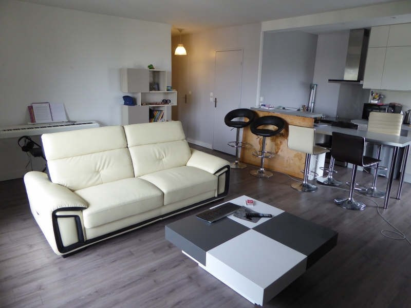 Location appartement Maurepas 809€ CC - Photo 1