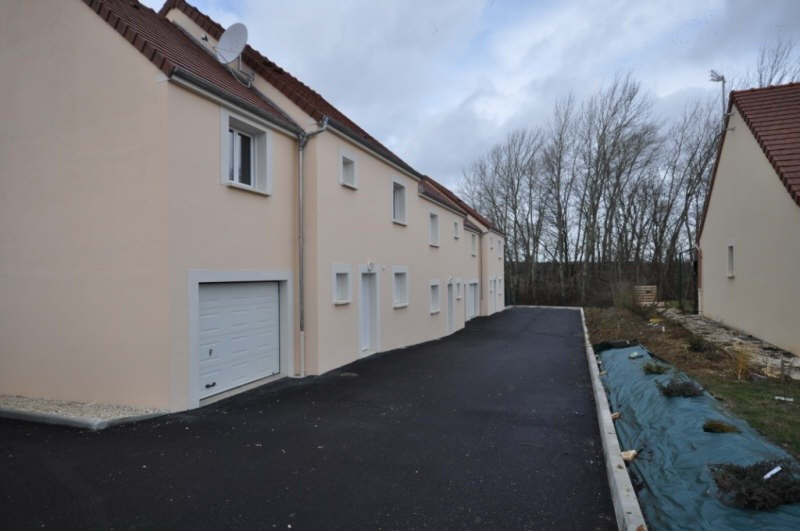 Location maison / villa Villefargeau 723€ CC - Photo 1