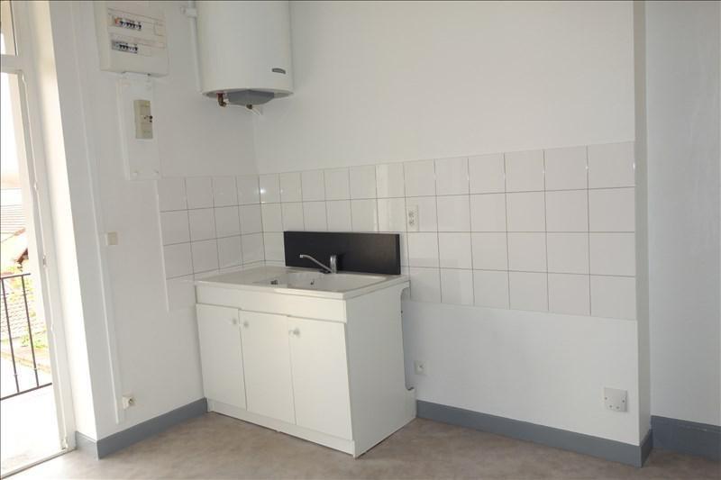 Location appartement Le coteau 348€ CC - Photo 4