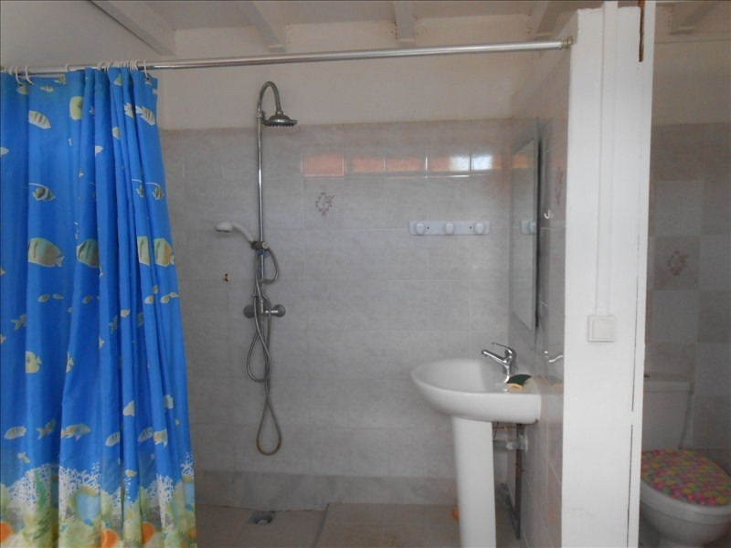 Location appartement Gourbeyre 650€ CC - Photo 6
