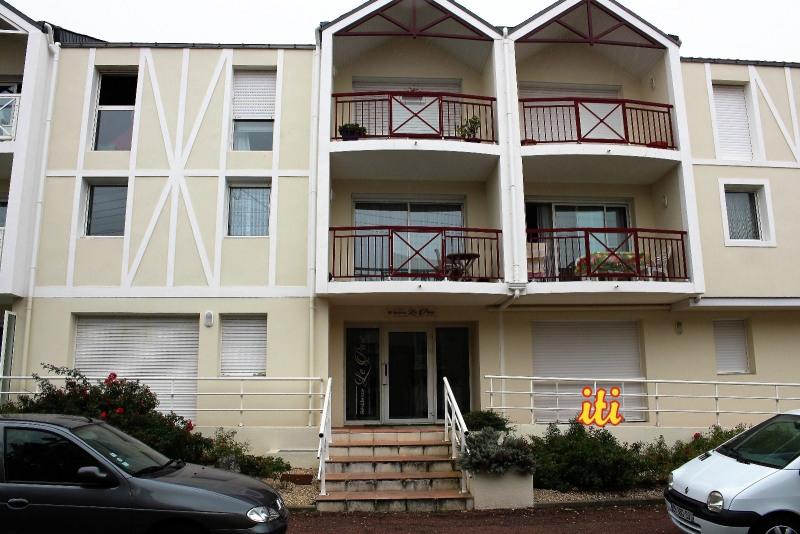 Sale apartment Les sables d olonne 525000€ - Picture 1