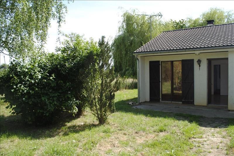 Location maison / villa Saints 550€ CC - Photo 3