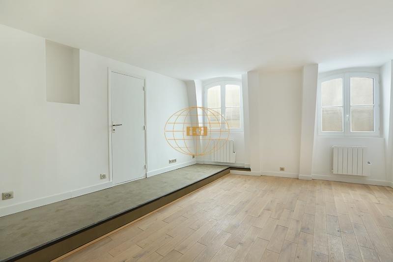 Deluxe sale apartment Paris 1er 525000€ - Picture 2
