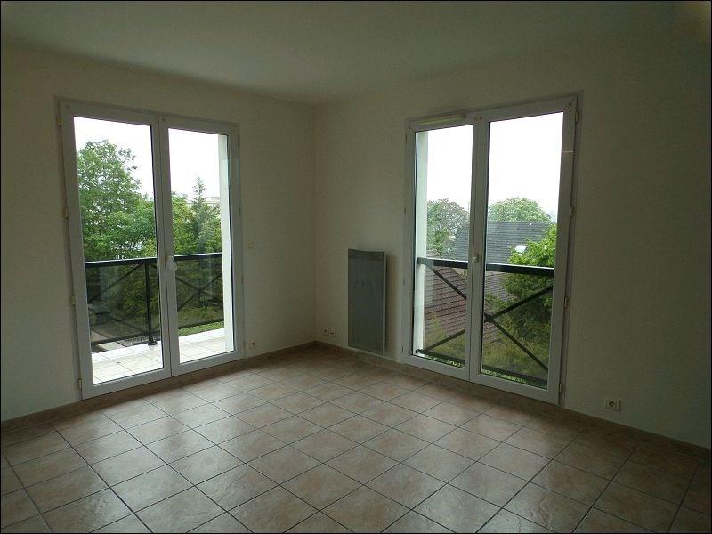 Rental apartment Yerres 785€ CC - Picture 2