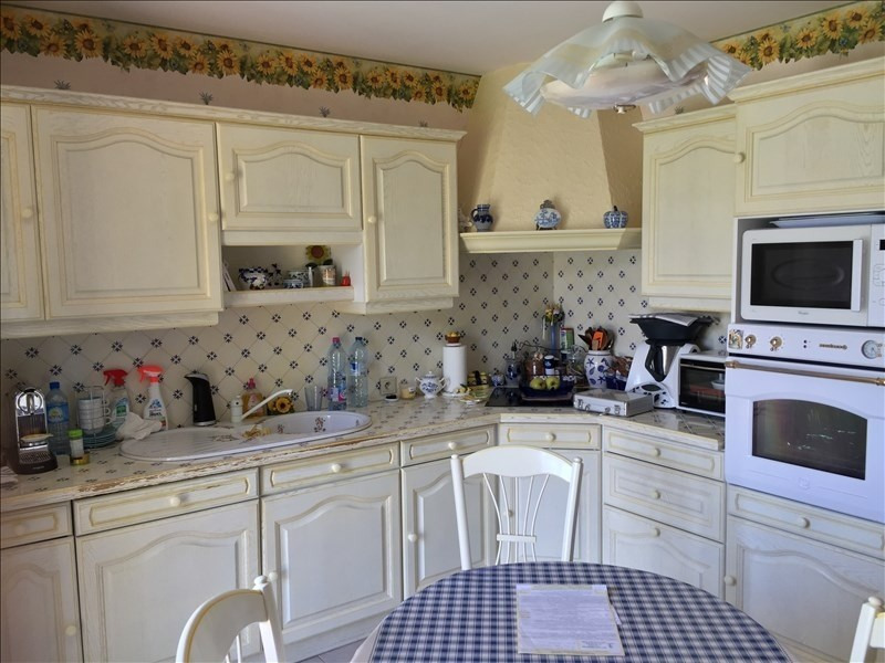 Sale house / villa Mer 302000€ - Picture 3