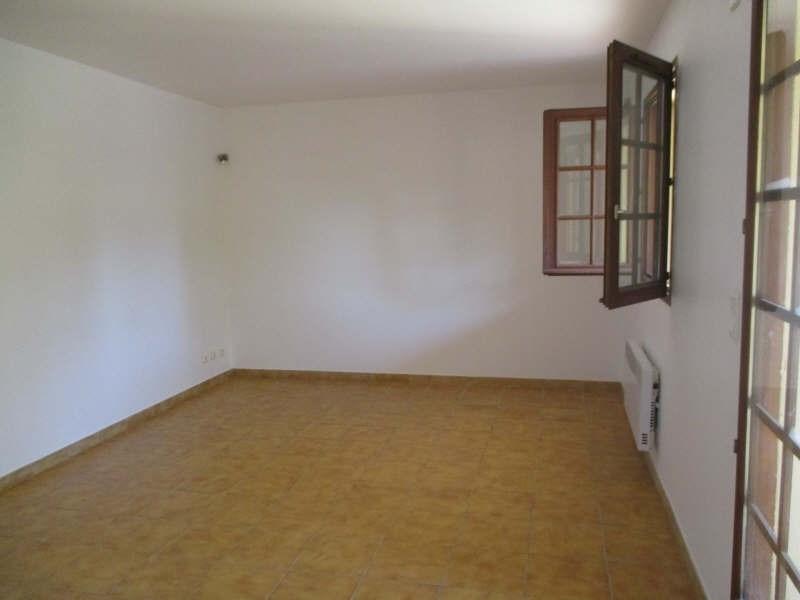 Rental apartment Salon de provence 634€ CC - Picture 3