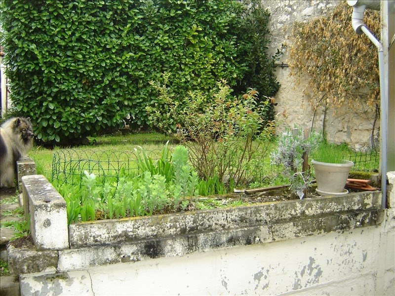 Sale house / villa St jean d angely 59400€ - Picture 6