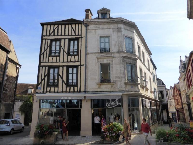 Sale building Auxerre 750000€ - Picture 3