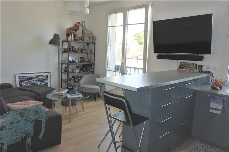 Rental apartment St germain en laye 1110€ CC - Picture 1