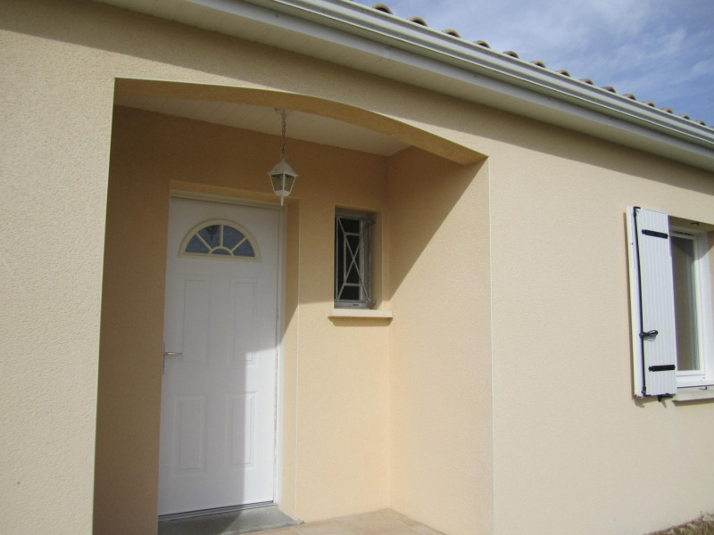 Sale house / villa Barbezieux saint-hilaire 130000€ - Picture 1
