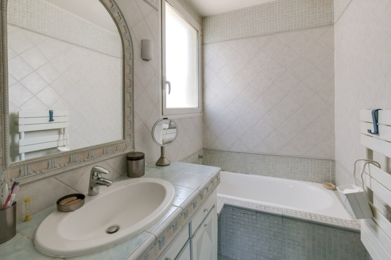 Deluxe sale apartment Neuilly-sur-seine 1 540 000€ - Picture 8