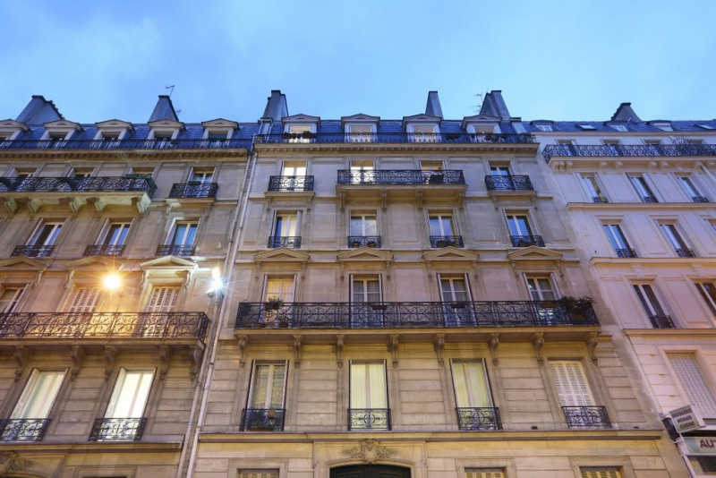 Aрендa квартирa Paris 8ème 3500€ CC - Фото 10