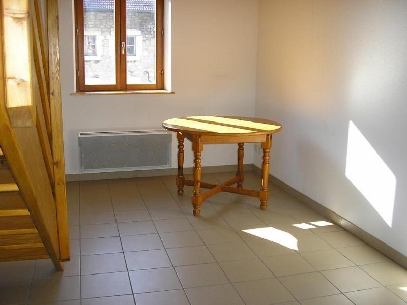 Location appartement Nantua 334€ CC - Photo 1