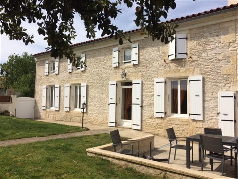 Vente maison / villa Rochefort 246750€ - Photo 2