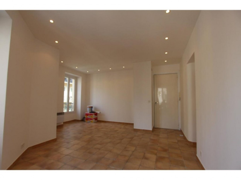 Location appartement Nice 706€ CC - Photo 2