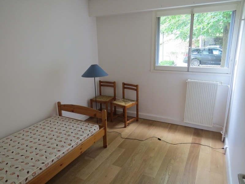 Rental apartment Le mesnil le roi 1290€cc - Picture 5