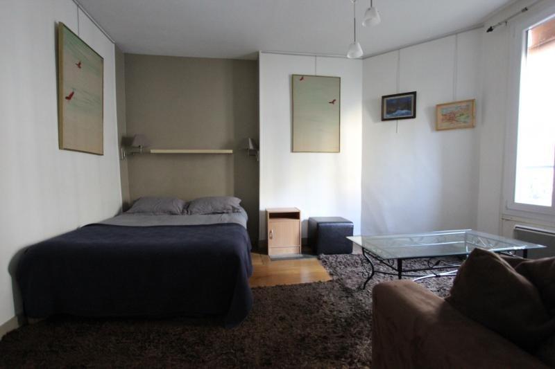 Rental apartment Paris 9ème 1150€ CC - Picture 2