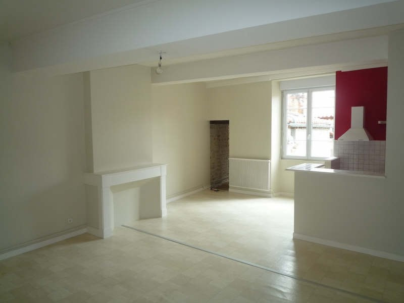 Alquiler  apartamento La rochefoucauld 560€ CC - Fotografía 1