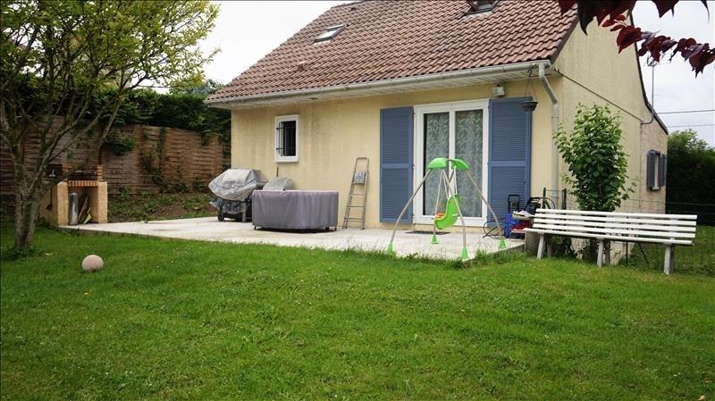 Sale house / villa Breval 240000€ - Picture 1