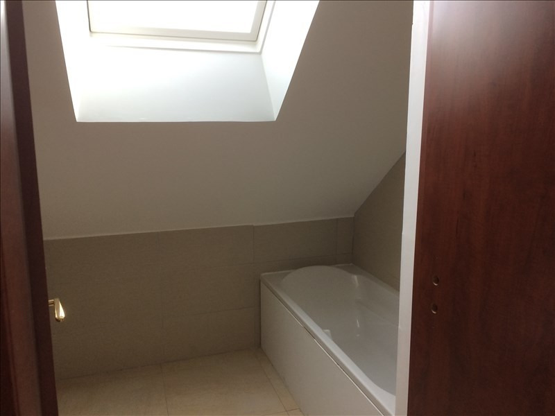 Location appartement Noyant 380€ CC - Photo 4
